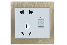 欧曼尔金尊二三极插座+USB接口